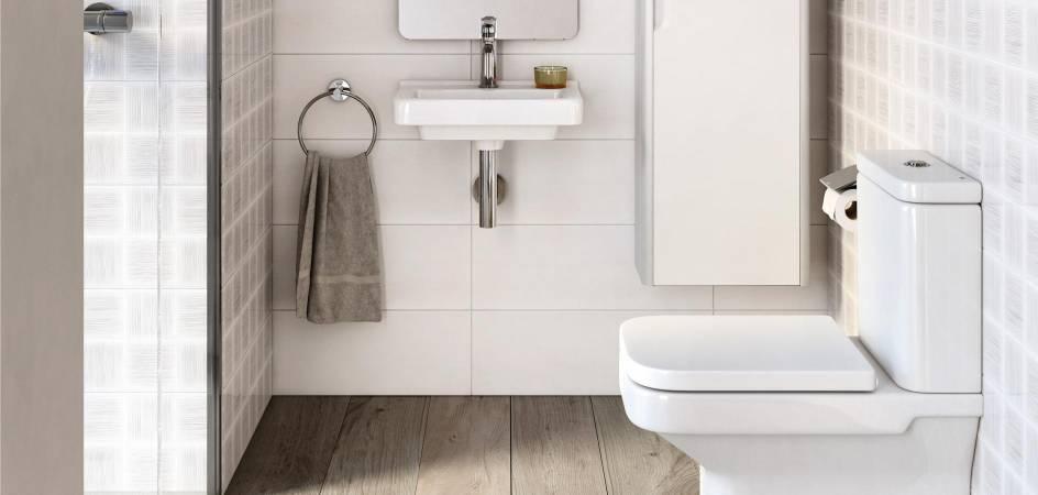 Banheiro com produtos Roca