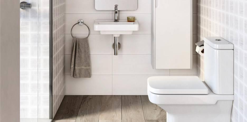 Espaço de banho pequeno com produtos da Roca